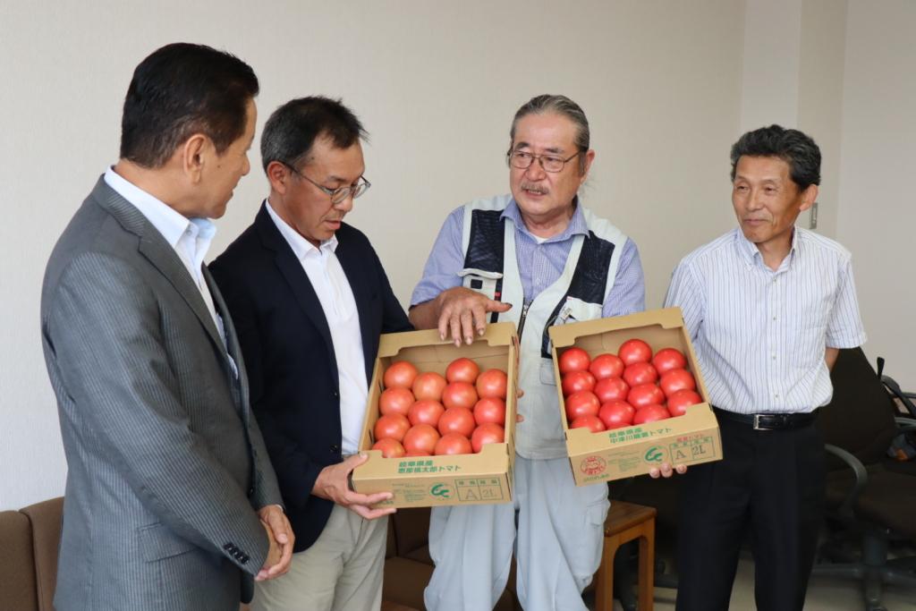 恵那市産トマトの出荷が始まりました。_記事サムネイル